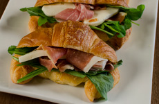 Mozzarells & Prosciutto (only on weekends or to order)